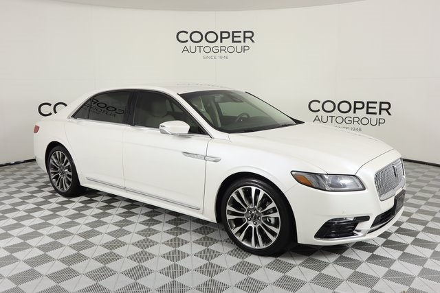 Certified Pre-Owned 2017 Lincoln Continental Select
