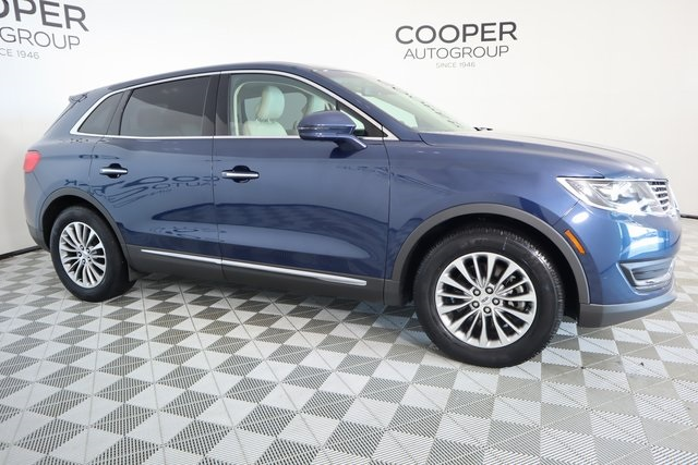 Certified Pre-Owned 2017 Lincoln MKX Select