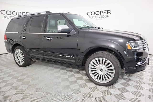 Certified Pre-Owned 2017 Lincoln Navigator Select